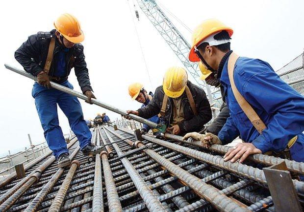 Máy nén khí trục vít ứng dụng công nghiệp xây dựng